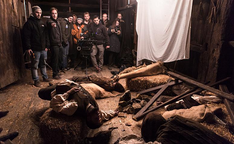 El equipo de Old Port Films en el rodaje de Baskavigin, la matanza de los balleneros vascos